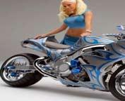 Sexy plavusa i motor